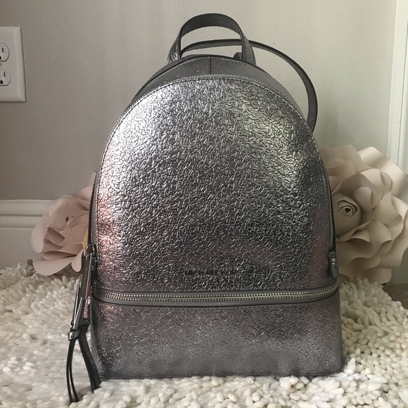 4610244a1fe4 Michael kors Rhea Metallic Medium leather Backpack